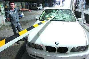 道闸砸车砸行人都是非智能惹的祸